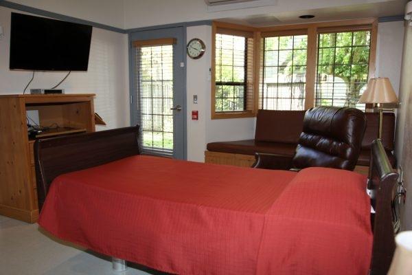 Photo of a home hospice care center room